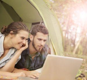 couple tente camping